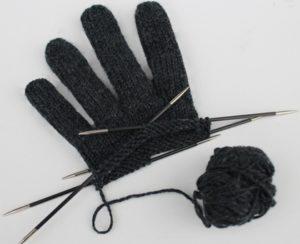 Handschuhe-stricken-Anleitung-kostenlos-300x244.jpg