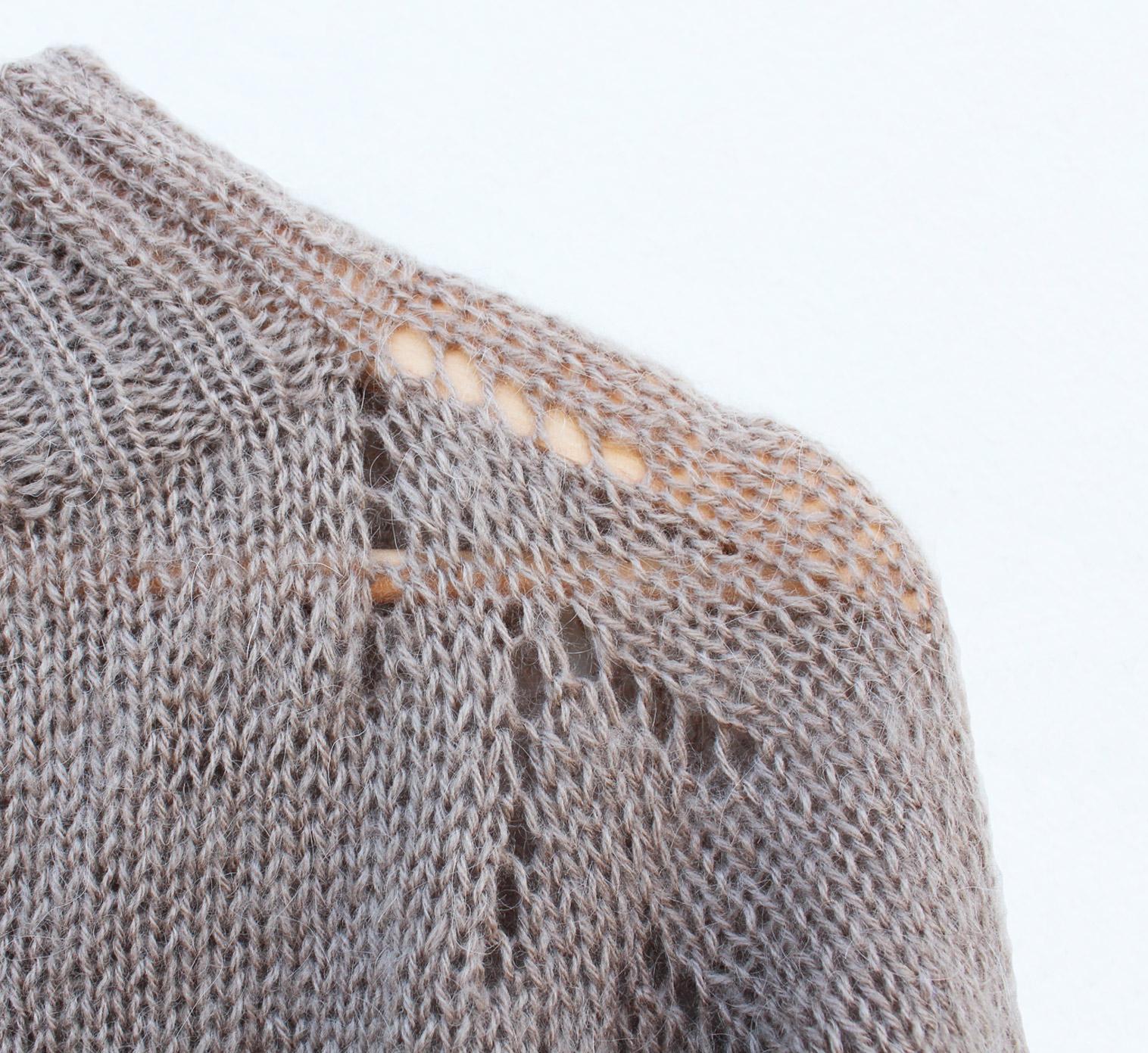 Kostenlose RVO-Strickanleitung: Pullover-Modell ARROW (Raglanpulli).