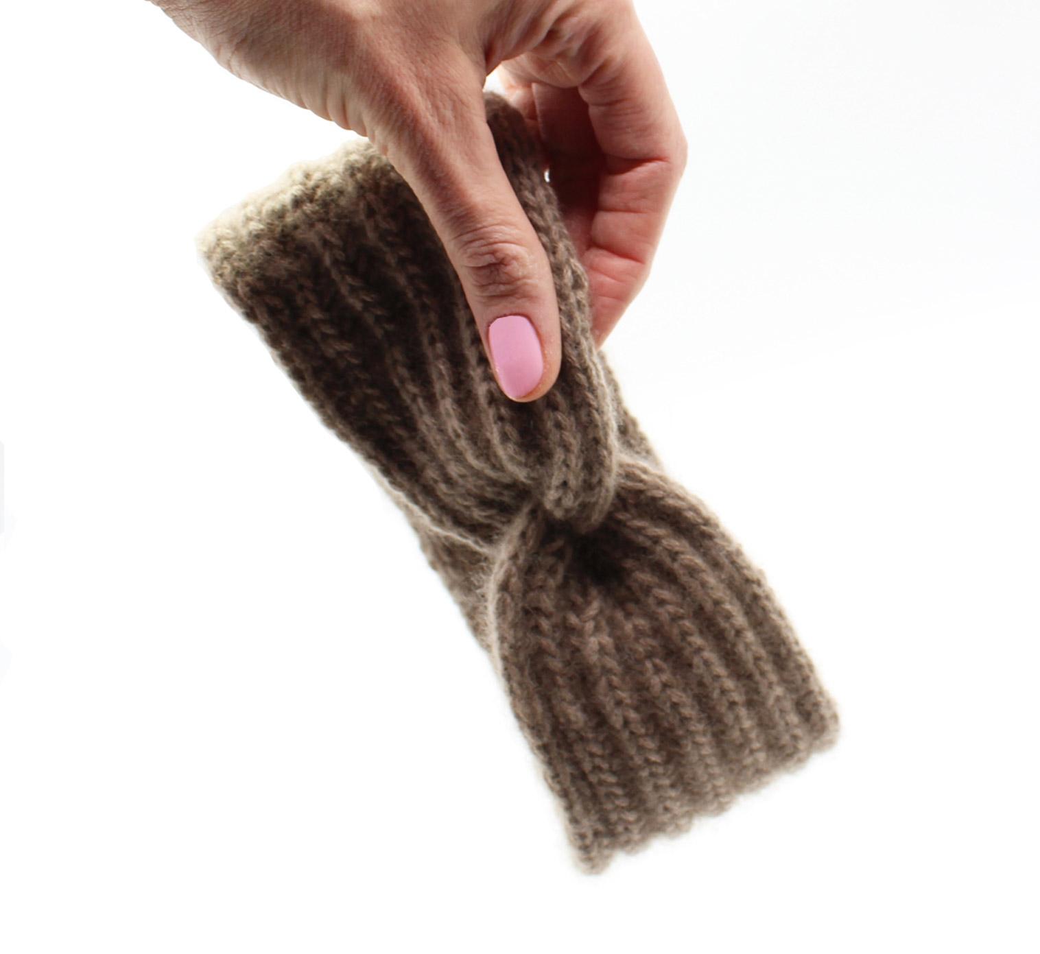 Kostenlose Strickanleitung: Ein Stirnband mit TWIST stricken.